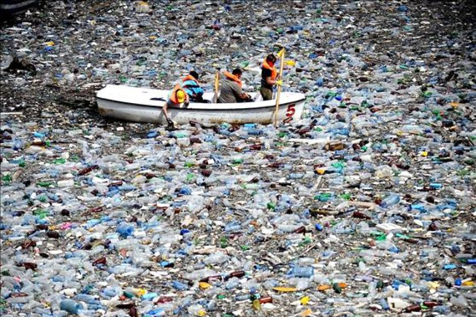 Rivers of plastic in China, the worst leakage country in the world